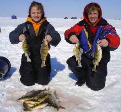 Ice Fishing Green Bay and Sturgeon Bay Wisconsin